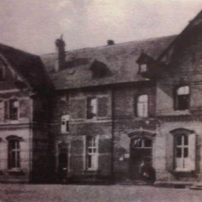 Vorplatz des Bahnhofs (ca. 1930)