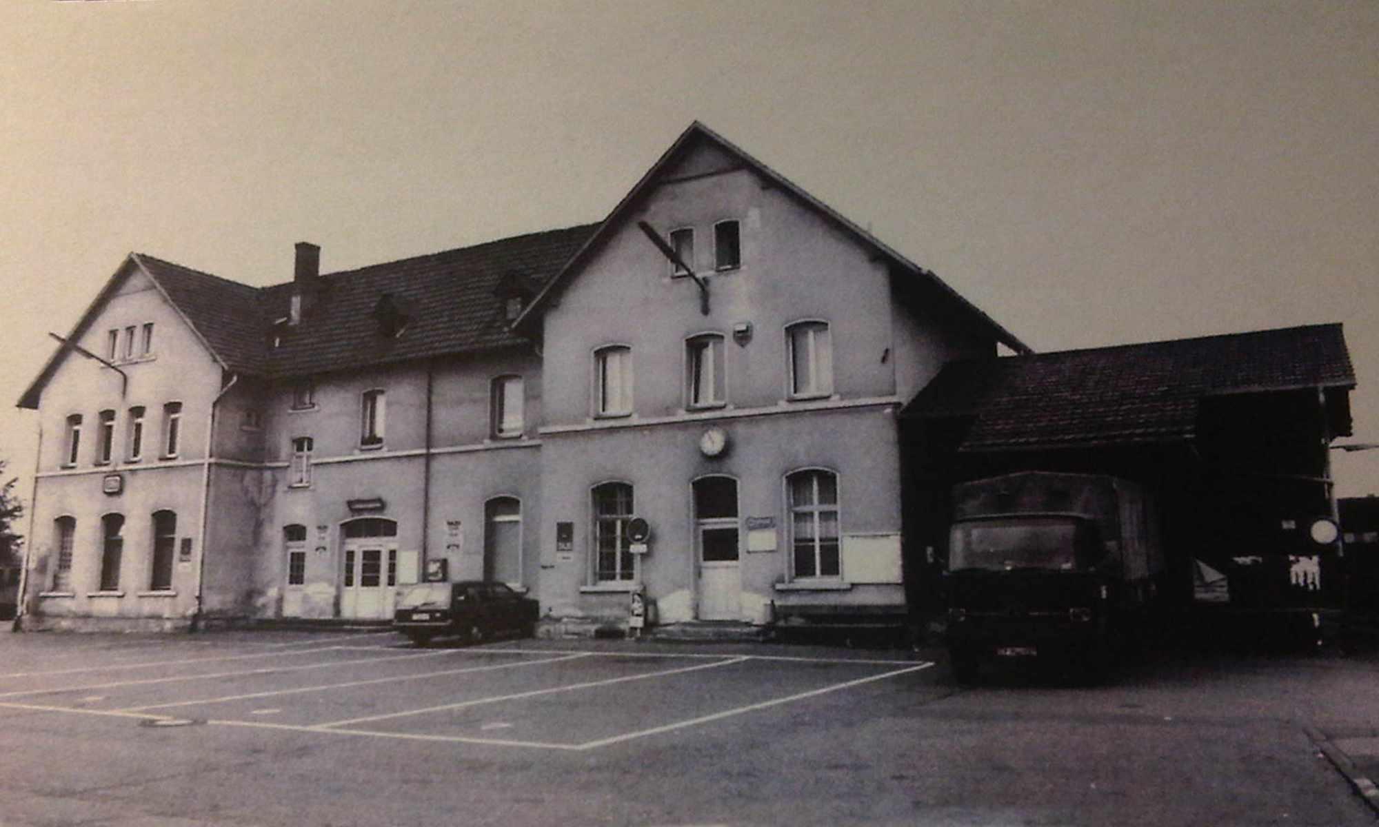 Vorplatz mit Schwergutschuppen (ca. 1975)
